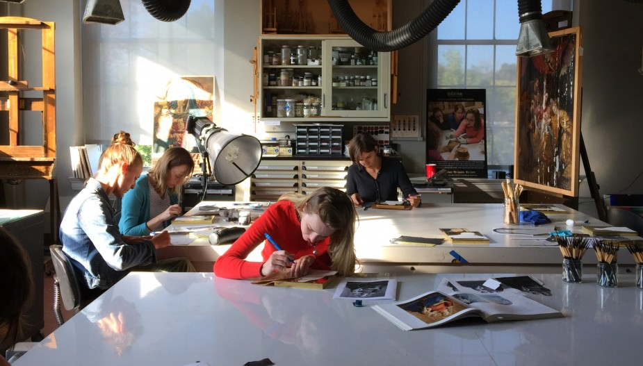 Students working in the painting lab
